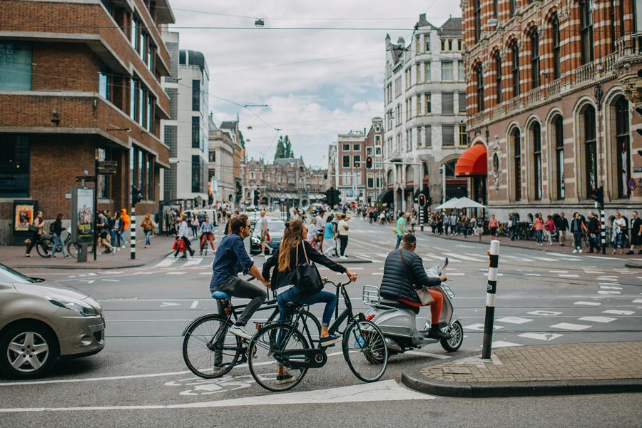 012-amsterdam-bikes-travel-photography.jpg
