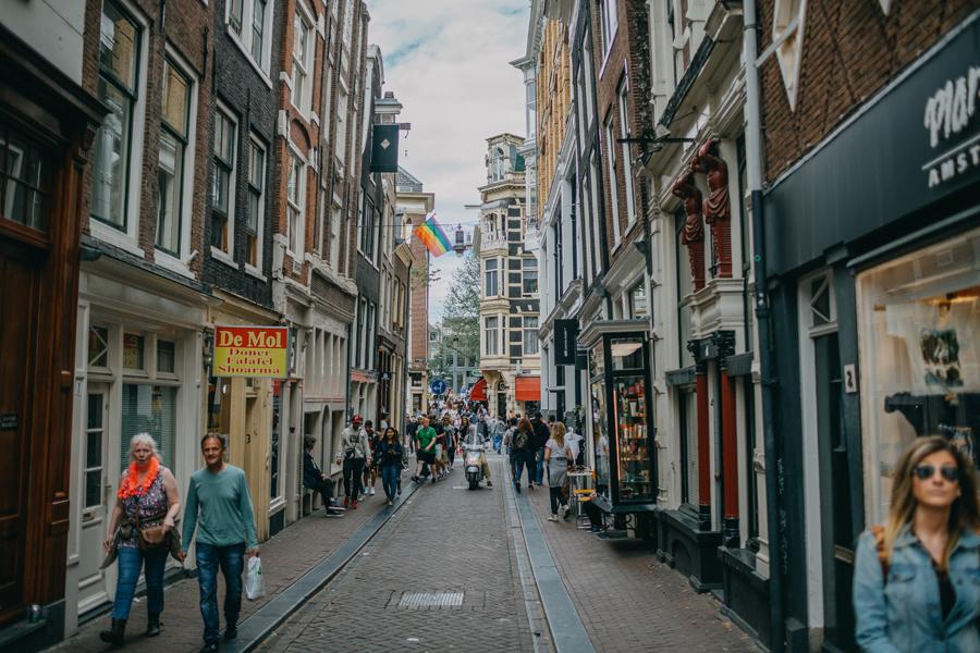 011-amsterdam-bikes-travel-photography.jpg