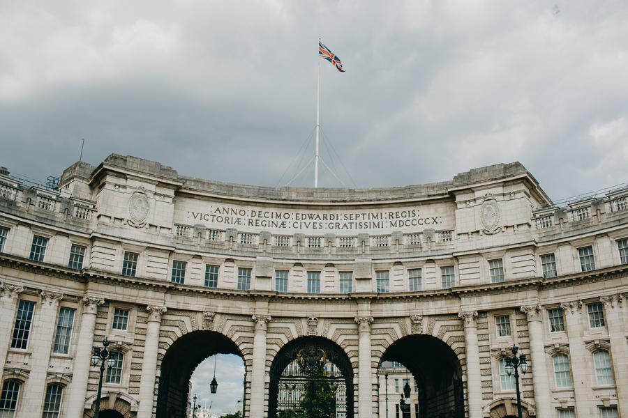 046-london-street-photography-travel-food-england-united-kingdom-st-pauls-cathredral-parliment.jpg