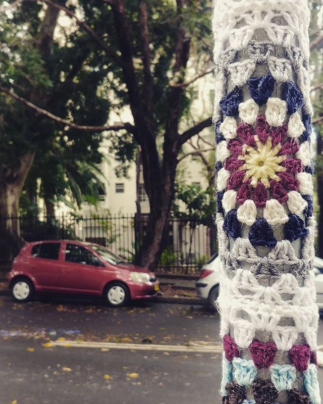 #yarnbombing #streetart #colourfull #streetscapes #kniffity #queenbabs #redfern