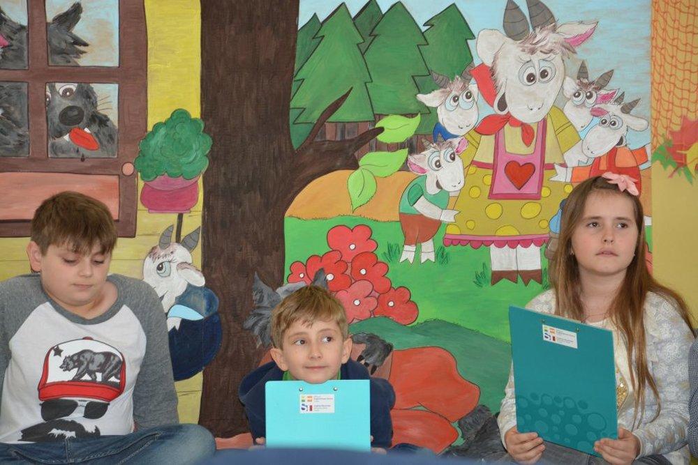 Štvrtáci čítajú Žirafkám 3