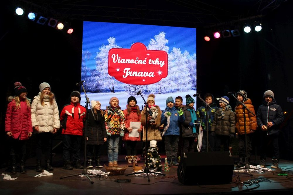 15.12.2015 PERFORMANCE ON THE SQUARE