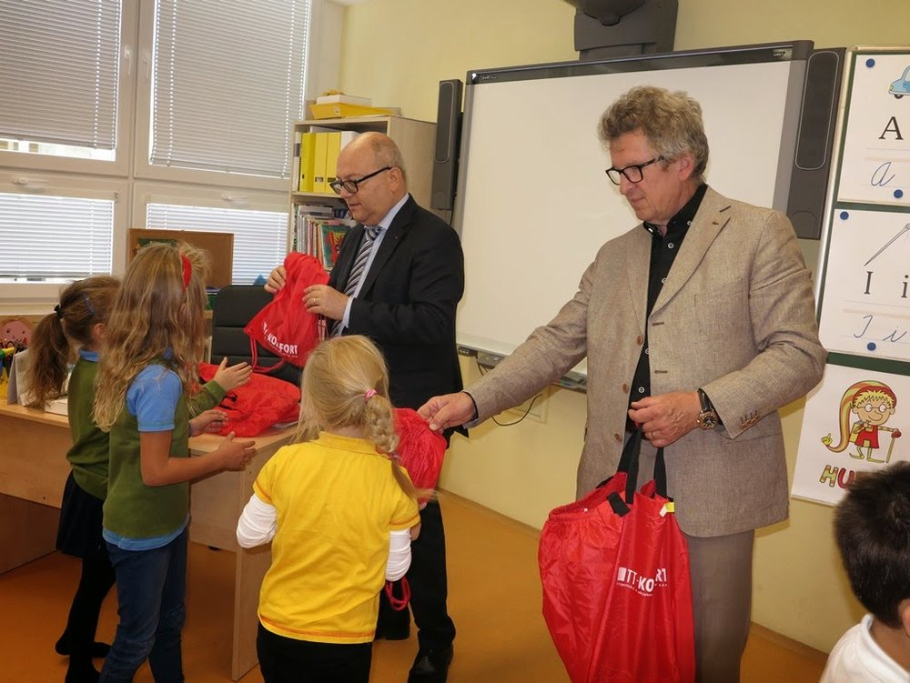 9.10.2014 TT COMFORT- Handover gifts to  Y1 pupils