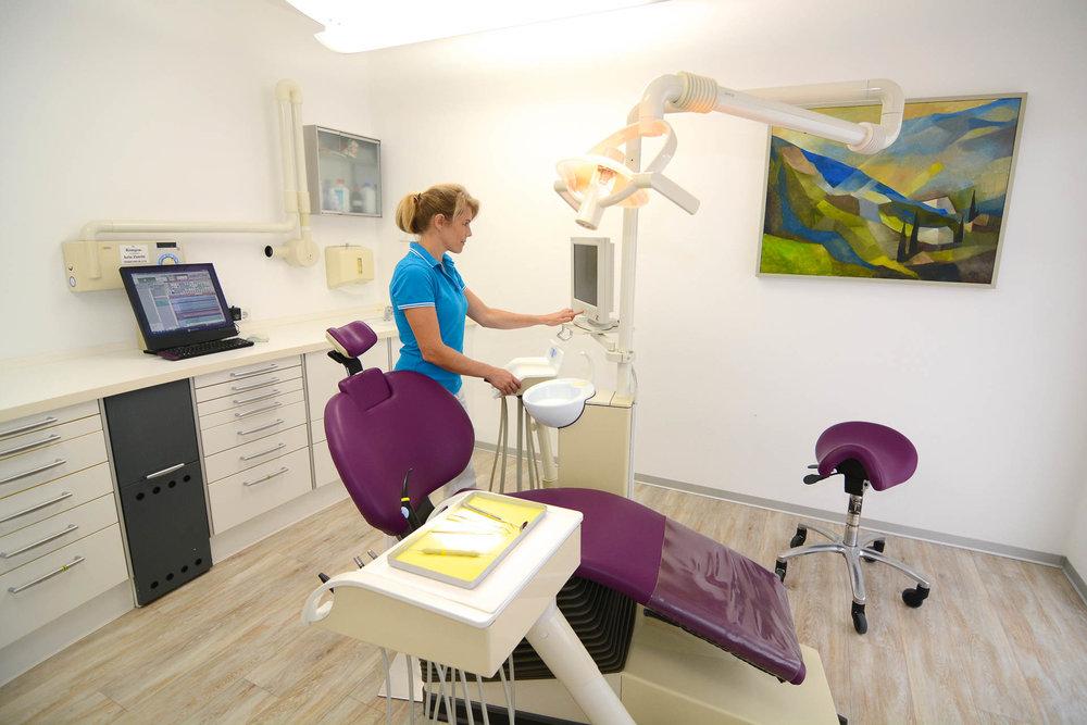 Behandlungsraum der Zahnarztpraxis - Praxis für Zahnheilkunde in Lindau am Bodensee