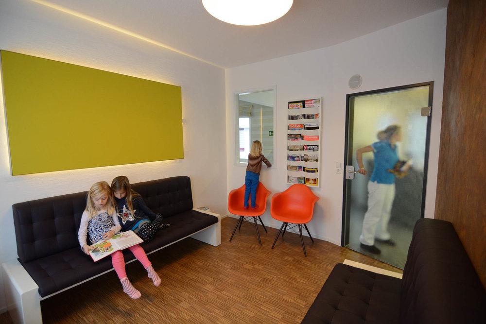 Wartezimmer der Zahnarztpraxis - Praxis für Zahnheilkunde in Lindau am Bodensee