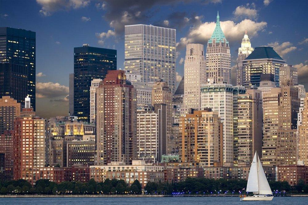 new-york-skyline-manhattan-hudson-40142.jpg