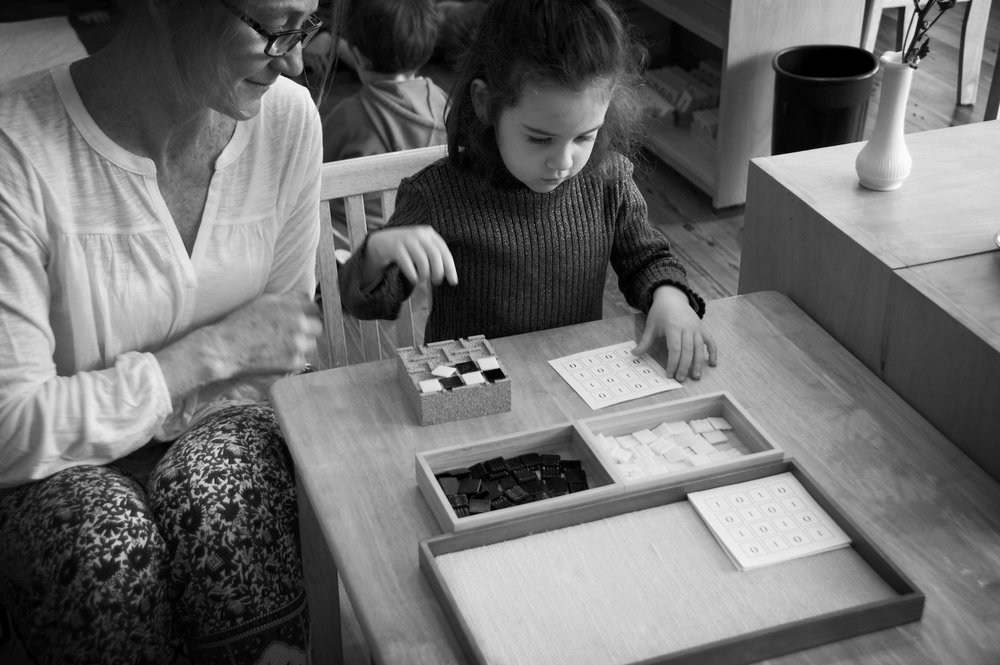 Learning-Beautiful-colori-montessori