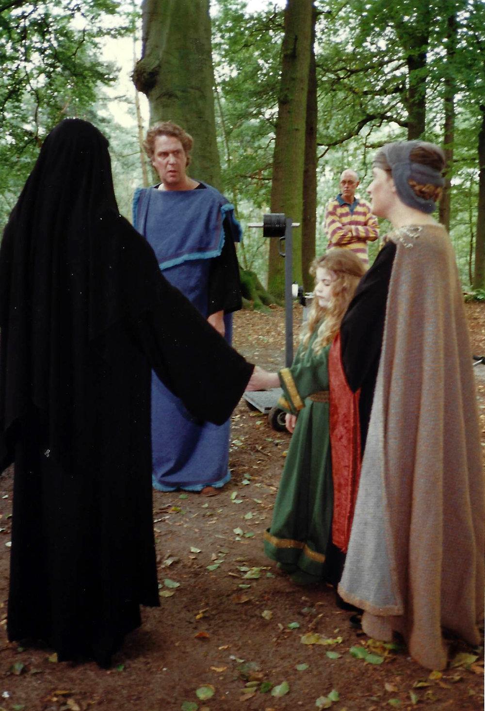 Voorbereiding opnames: de kleine HIldegard wordt door haar adellijke ouders aan haar tante, de non Jutta gegeven. Opnames gemaakt in de Kluis van Bolderberg, in een omgeving die de sfeer van Disibodenberg oproept.