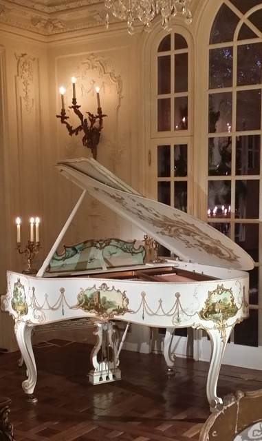 piano painted by Jennifer Chapman