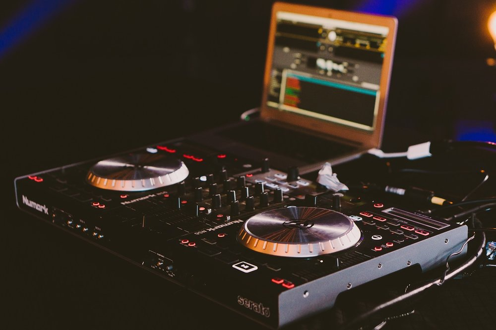 DJ Skills course - We are particularly keen to work with music lovers whom harbor ambitions to become DJs whether it be radio of club. We have a comprehensive course that will teach you beat matching, mixing and use of effects