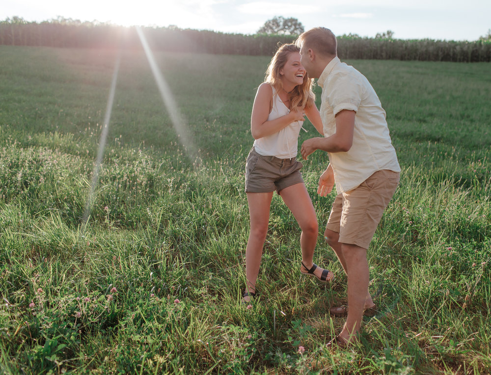 Kristina Sellers Photography - Louisville Ky & Southern IN Wedding and Elopement photographer - Couples Engagement Session