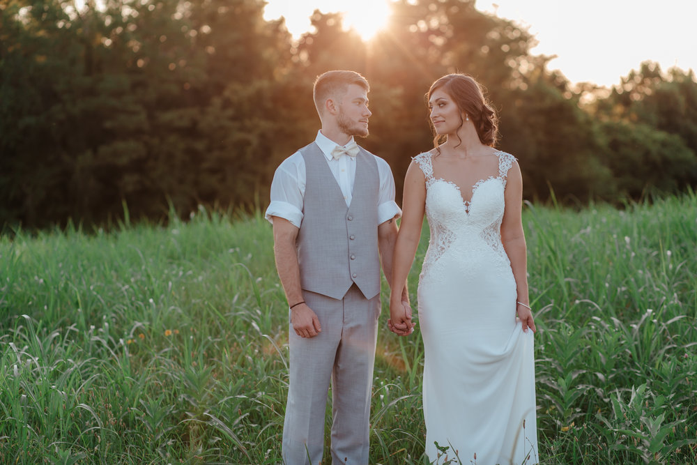 sunset bride and groom at walnut grove in Kentucky