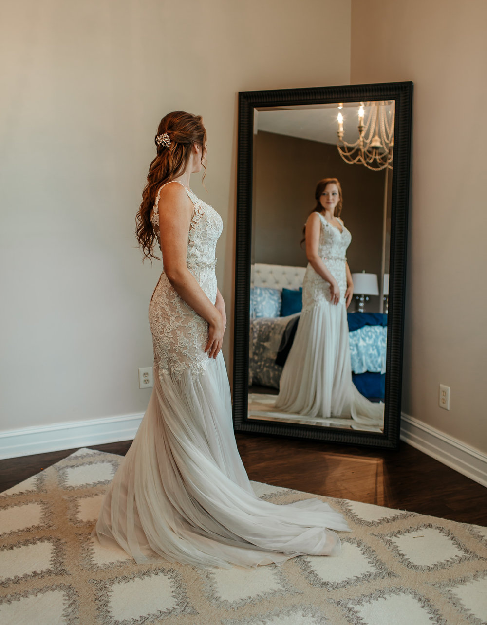 Kentucky bride sees herself for first time in dress