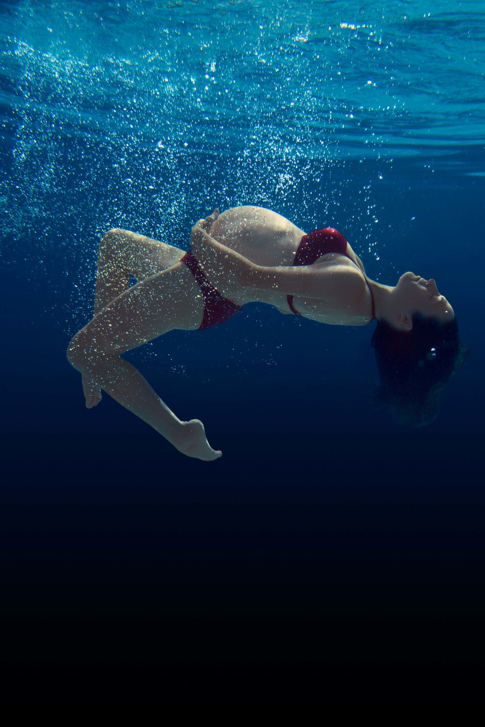 Underwater Maternity session submerged pregnancy photos underwater by Ramona Nicolae Photography underwater photography