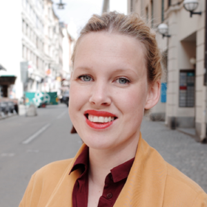 Anna Gullstrand   Leader, facilitator, writer and digital strategist. Founder of Studio How, co-owner of digital agency  Fröjd .