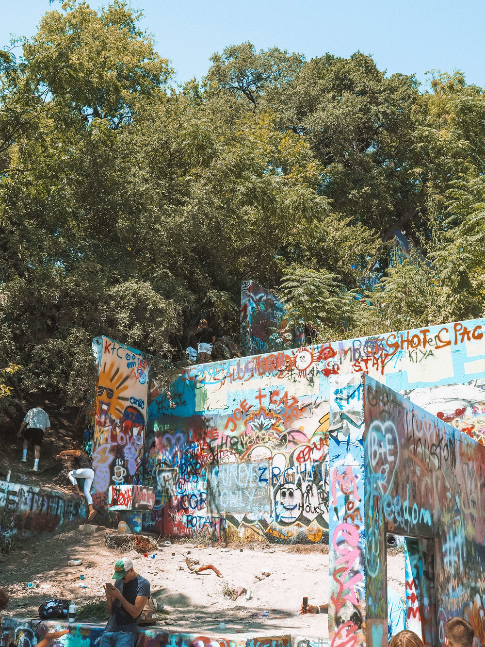 """There's a reason why people want to """"Keep Austin Weird"""". The city of Austin, Texas is an eclectic mix of art, food, culture and fun. Plus there are so many outdoor activities right within the city limits! Plan your trip with the 6 things you cannot miss in Austin! #austin #texas #travel #cityguide"""