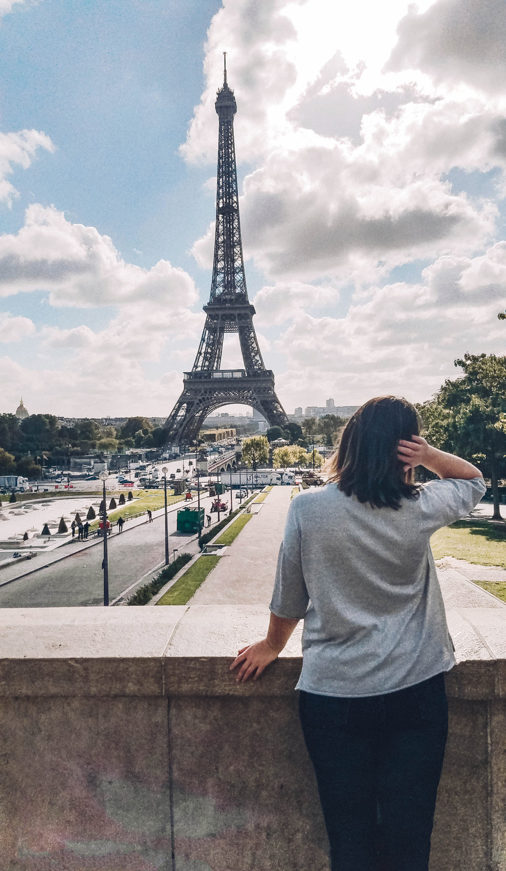 Paris is a stunning city filled with beautiful landmarks, architecture and history. Even if you only have one day in this beautiful destination, you can walk to many of the amazing sites. Grab your comfy shoes and read ahead for the ultimate one day walking itinerary of Paris including the Eiffel Tower, the Louve and Notre Dame. #paris #france #travelitinerary