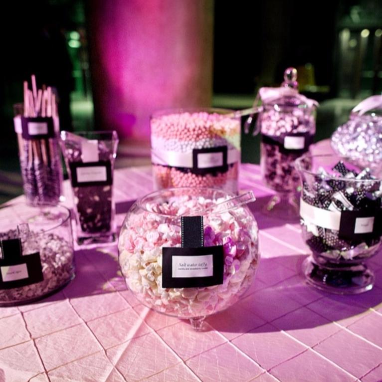 wedding-candy-bar-favors-2110.jpg