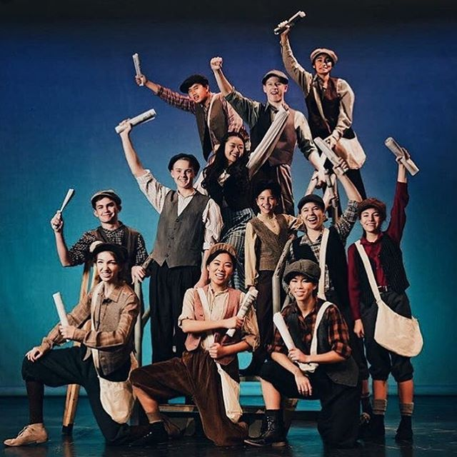 Standing ovation to these Newsies cuties 👏🏻👏🏻 #studentsofdecodedprep #decodedprep #testprep #sanmarino #sanmarinohigh #broadway #newsies #musical #supportthearts #artsliteracy