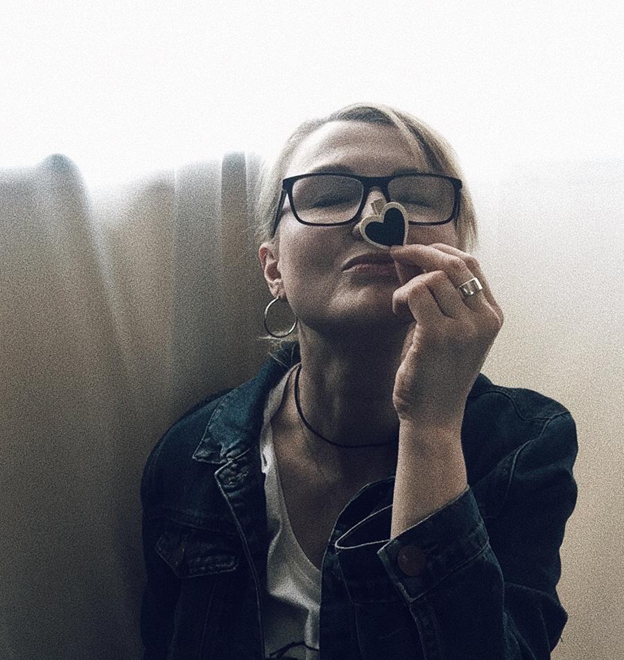 winterblondewriter About-8 portrait.jpg