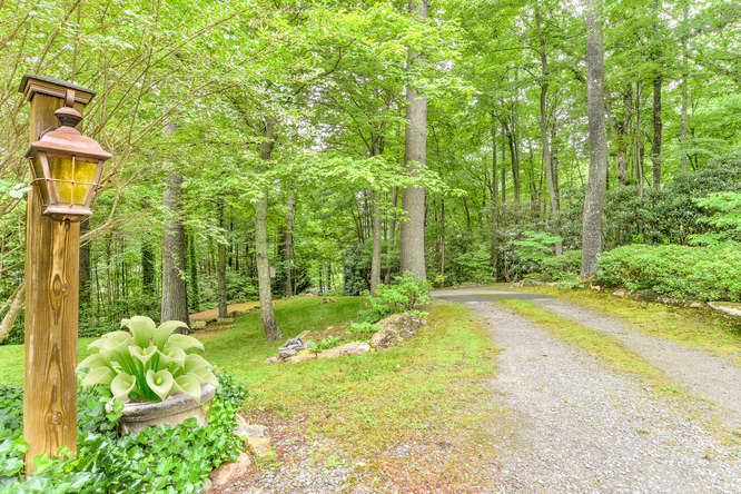 Make an offer on this home-small-002-34-Driveway-666x444-72dpi.jpg