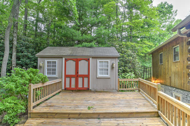 Make an offer on this home-small-010-23-Deck-666x444-72dpi.jpg