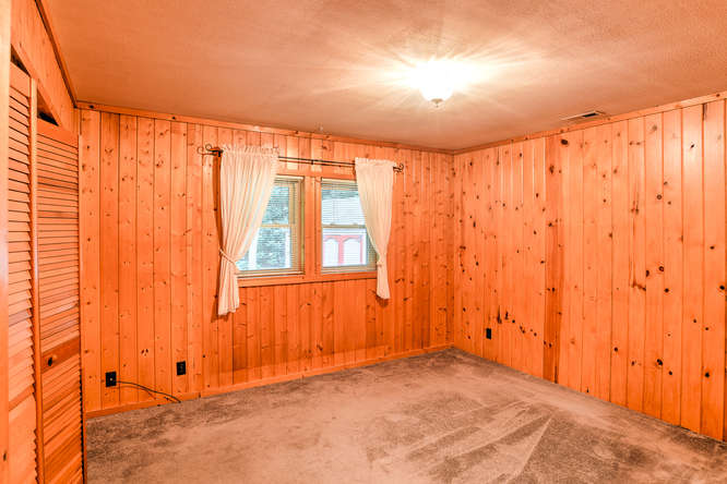 Make an offer on this home-small-021-14-Bedroom-666x444-72dpi.jpg