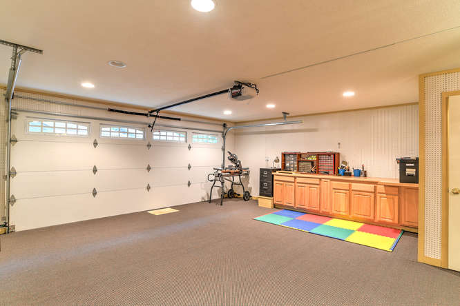 Make an offer on this home-small-030-22-Garage-666x444-72dpi.jpg