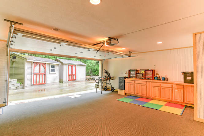 Make an offer on this home-small-031-32-Garage-666x444-72dpi.jpg