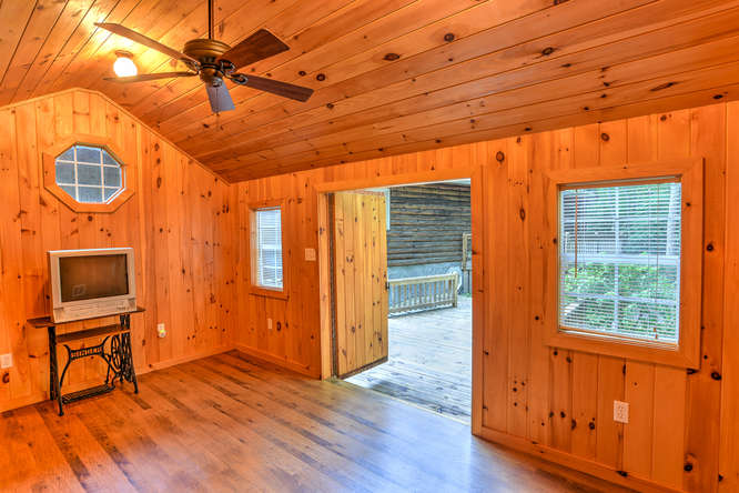 Make an offer on this home-small-035-24-Shed-666x444-72dpi.jpg