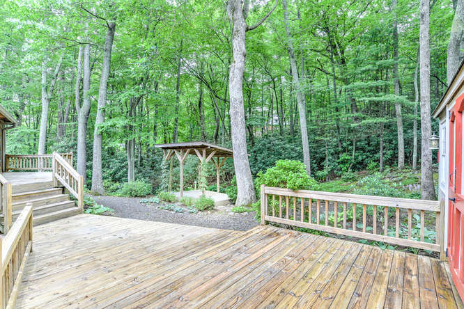 Make an offer on this home-small-037-31-Deck-666x444-72dpi.jpg