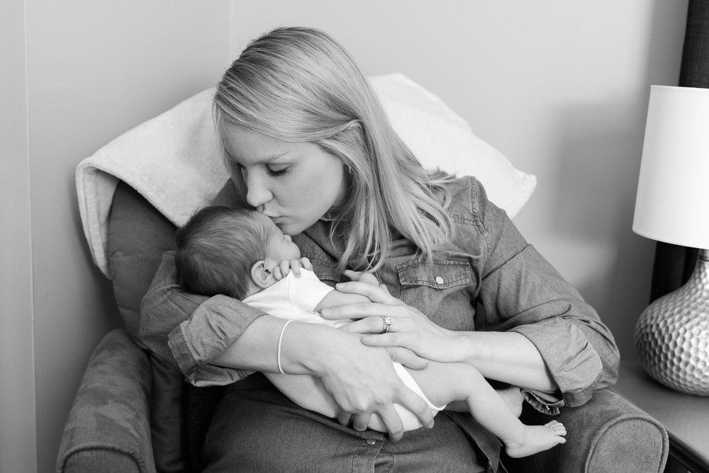maryland-lifestyle-newborn-photographer.jpg