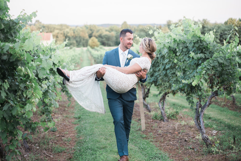 maryland-wedding-photographer-vineyard.jpg