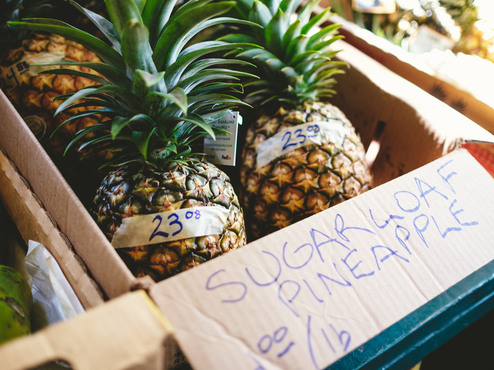Sugar_loaf_pineapple-banana_joes-Cookwilltravel-Kauai.jpg