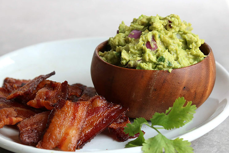 SCHEMA-PHOTO-Bacon-Chips-and-Thick-Guacamole-Dip (1).jpg
