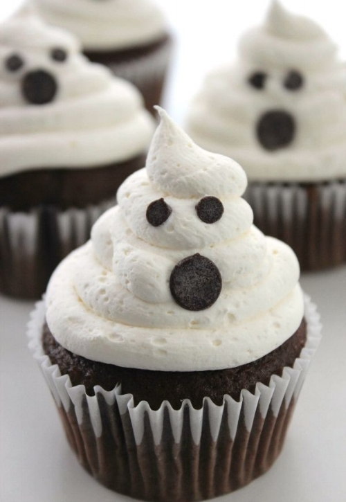 Marshmallow-Ghost-Cupcakes-3.jpg