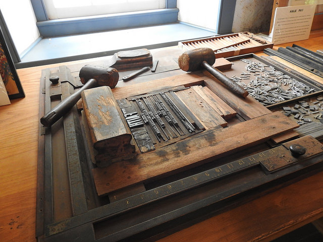 Moveable type used on Hawaii's first printing printing press at the Hale Pa'i Printing Museum at Lahainaluna. Maui, Hawaii. Kaleomokuokanalu Chock, 2017.  Flickr.