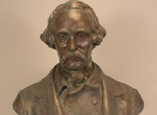 Sad Nathaniel Hawthorne. Daniel French, 1925. Plaster painted to simulate weathered bronze. New York Historical Society.