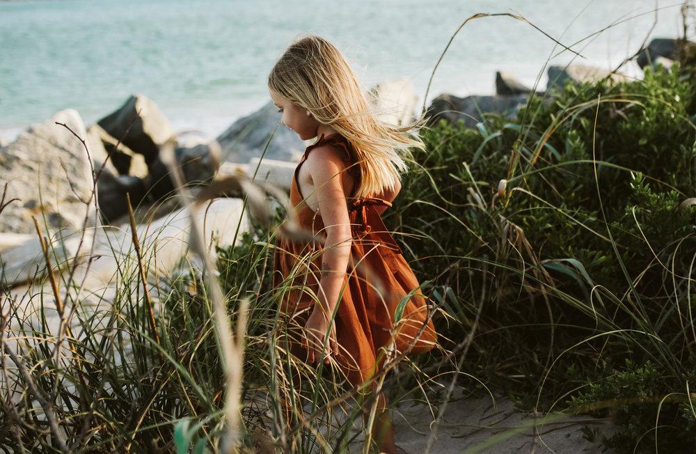 emotionstorytelling.familyphotography.fortpierce.florida.virginiaweddingphotographer.beach.Fortpierceinletstatepark-5.jpg