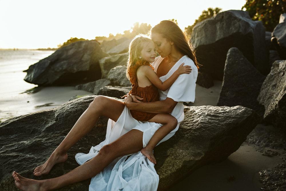 emotionstorytelling.familyphotography.fortpierce.florida.virginiaweddingphotographer.beach.Fortpierceinletstatepark-18.jpg