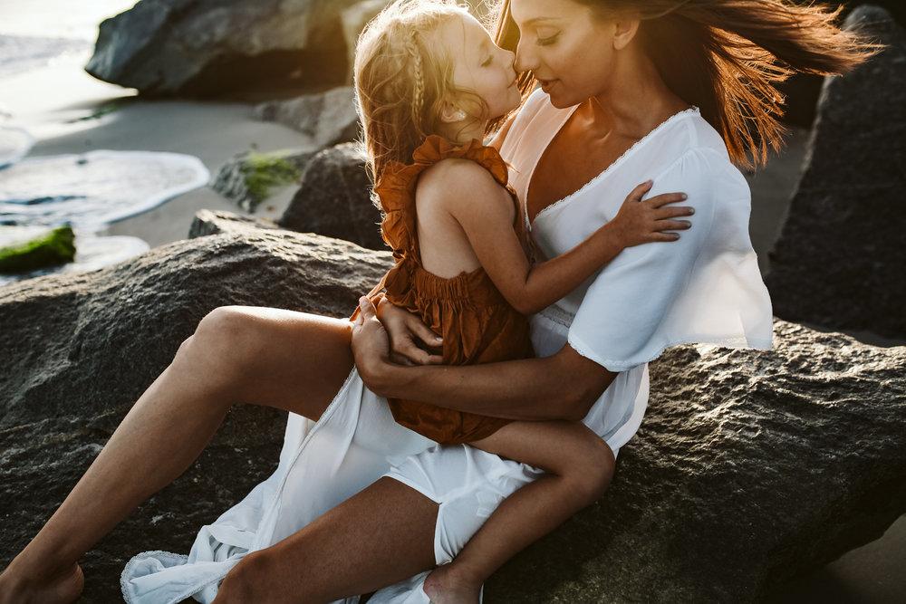 emotionstorytelling.familyphotography.fortpierce.florida.virginiaweddingphotographer.beach.Fortpierceinletstatepark-21.jpg