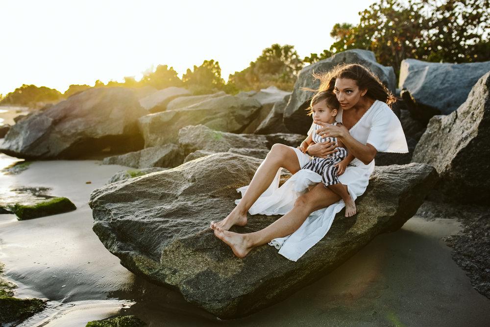 emotionstorytelling.familyphotography.fortpierce.florida.virginiaweddingphotographer.beach.Fortpierceinletstatepark-24.jpg
