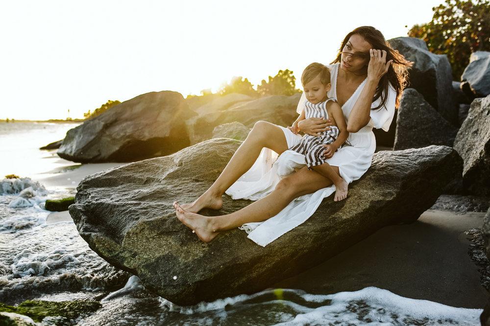emotionstorytelling.familyphotography.fortpierce.florida.virginiaweddingphotographer.beach.Fortpierceinletstatepark-25.jpg