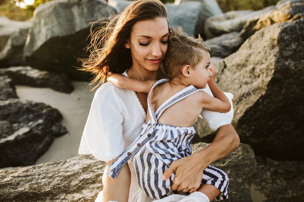 emotionstorytelling.familyphotography.fortpierce.florida.virginiaweddingphotographer.beach.Fortpierceinletstatepark-32.jpg