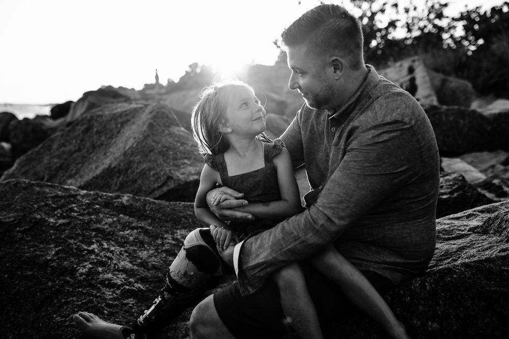 emotionstorytelling.familyphotography.fortpierce.florida.virginiaweddingphotographer.beach.Fortpierceinletstatepark-42.jpg