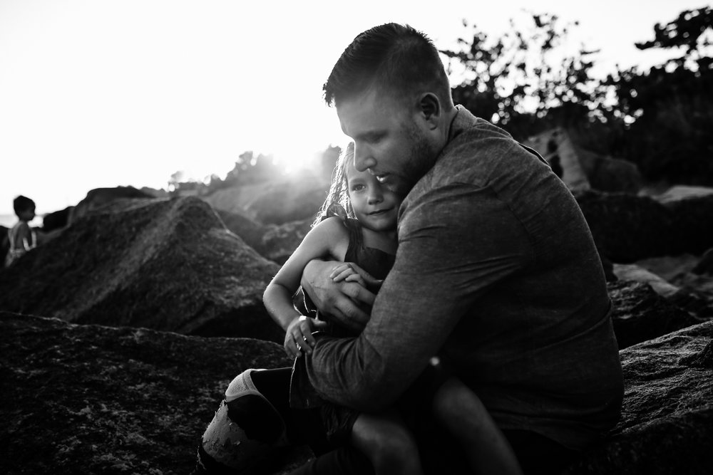 emotionstorytelling.familyphotography.fortpierce.florida.virginiaweddingphotographer.beach.Fortpierceinletstatepark-43.jpg