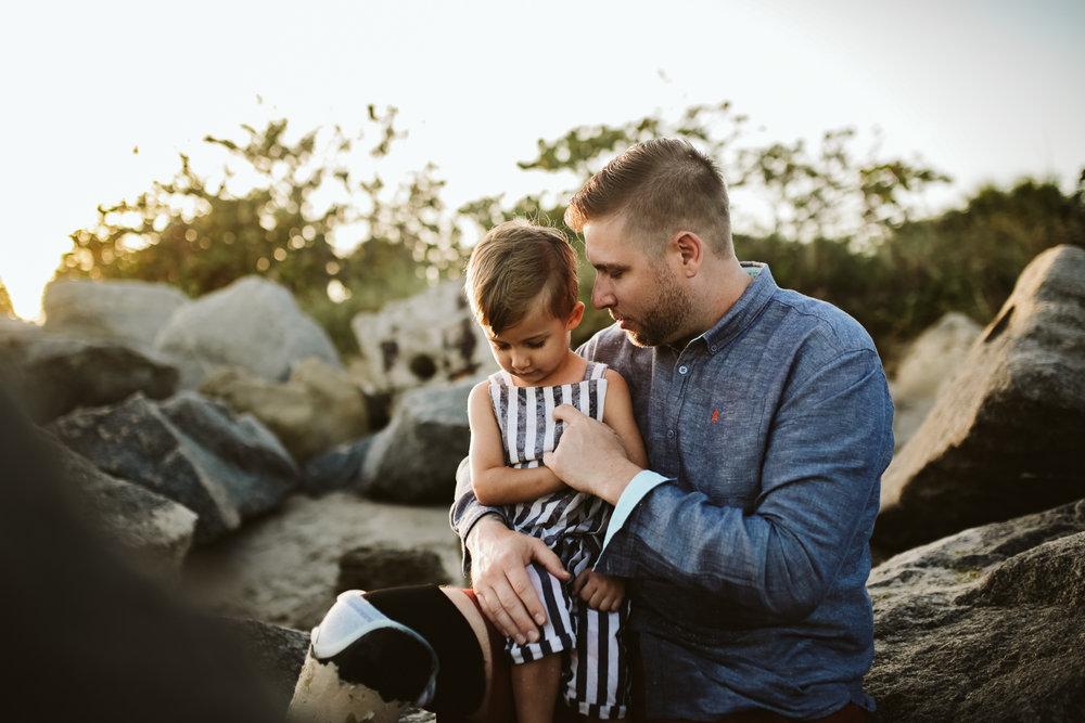 emotionstorytelling.familyphotography.fortpierce.florida.virginiaweddingphotographer.beach.Fortpierceinletstatepark-46.jpg
