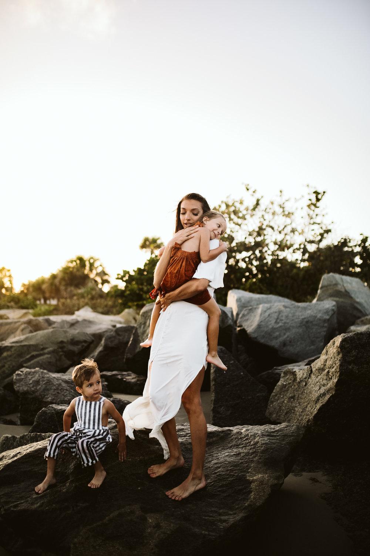 emotionstorytelling.familyphotography.fortpierce.florida.virginiaweddingphotographer.beach.Fortpierceinletstatepark-50.jpg