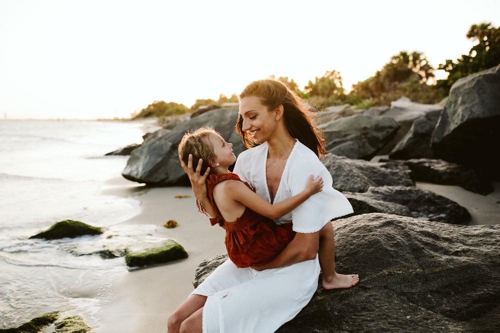 emotionstorytelling.familyphotography.fortpierce.florida.virginiaweddingphotographer.beach.Fortpierceinletstatepark-60.jpg