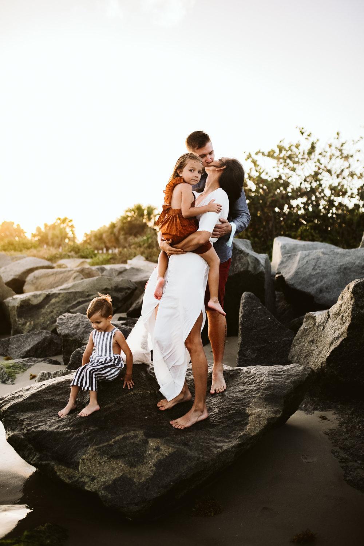 emotionstorytelling.familyphotography.fortpierce.florida.virginiaweddingphotographer.beach.Fortpierceinletstatepark-52.jpg